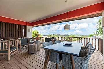 morena resort - stills - lowres-72.jpg