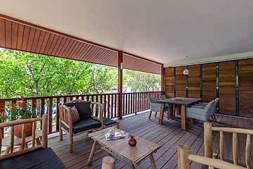 morena resort - stills - lowres-54.jpg